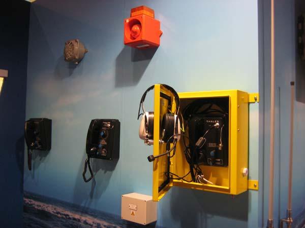 Система безбатарейной телефонной связи Thales